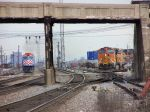 BNSF #5272 meets Metra #201